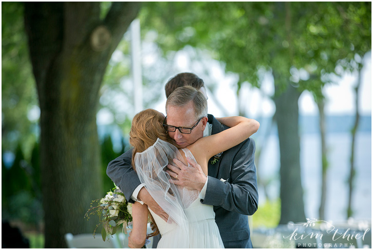 036_kim-thiel-photography_wisconsin_Summer_wedding_North_Shore