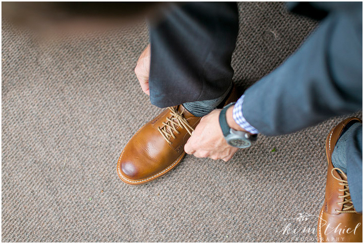 kim-thiel-photography-groom-prep-004