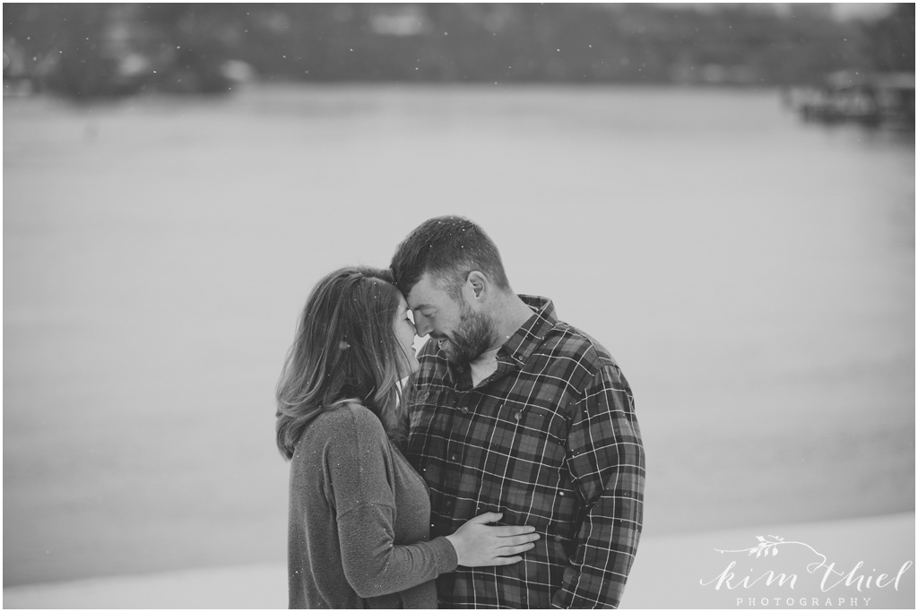 09-Kim-Thiel-Photography-Snowy-Engagement