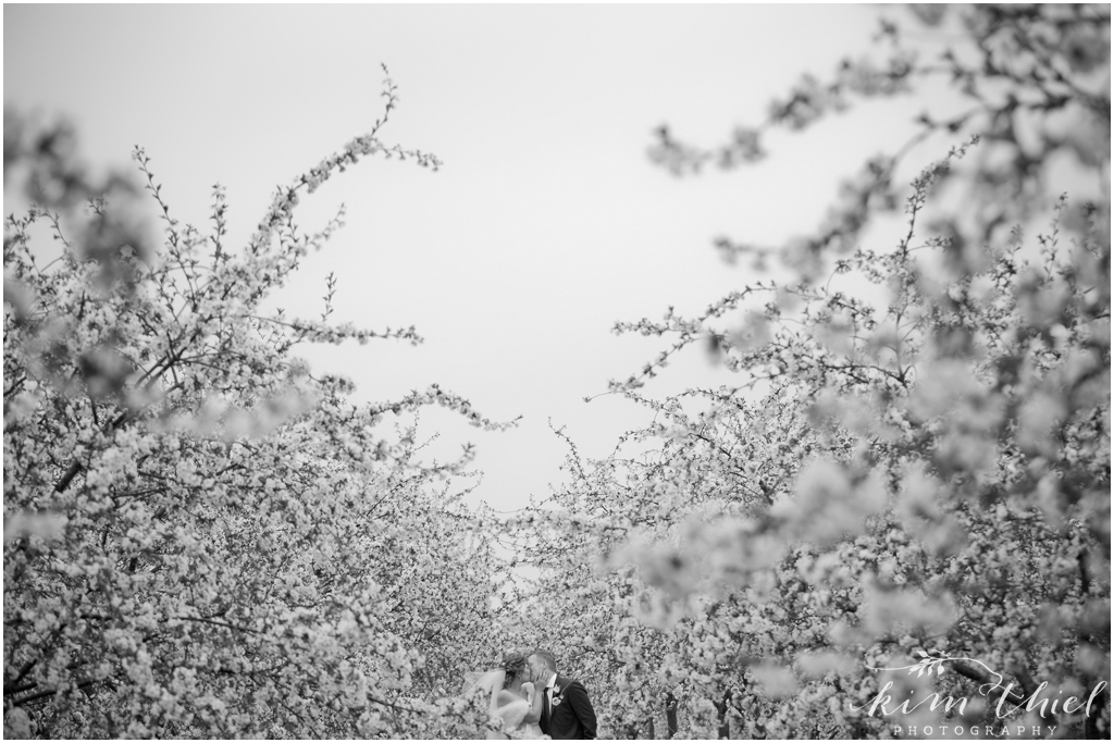 Kim-Thiel-Photography-Door-County-Cherry-Blossom-Wedding-34