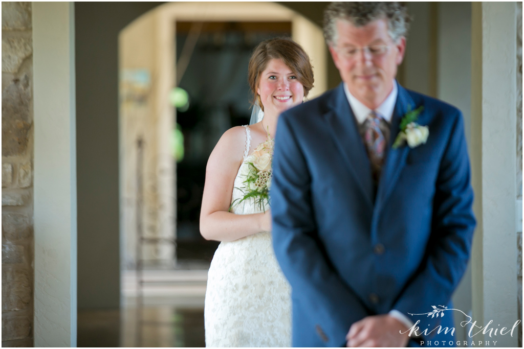 Kim-Thiel-Photography_Givens-Farm-Wedding-Hortonville-Wisconsin-16