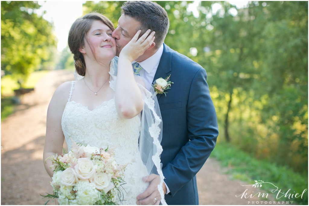 Kim-Thiel-Photography_Givens-Farm-Wedding-Hortonville-Wisconsin-25