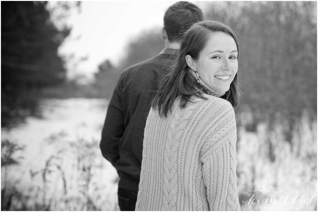 Kim-Thiel-Photography-Wisconsin-Winter-Engagement-Session-02