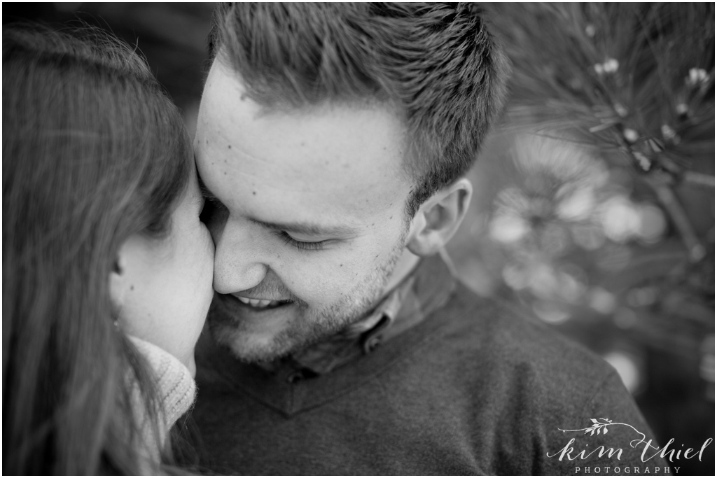 Kim-Thiel-Photography-Wisconsin-Winter-Engagement-Session-05