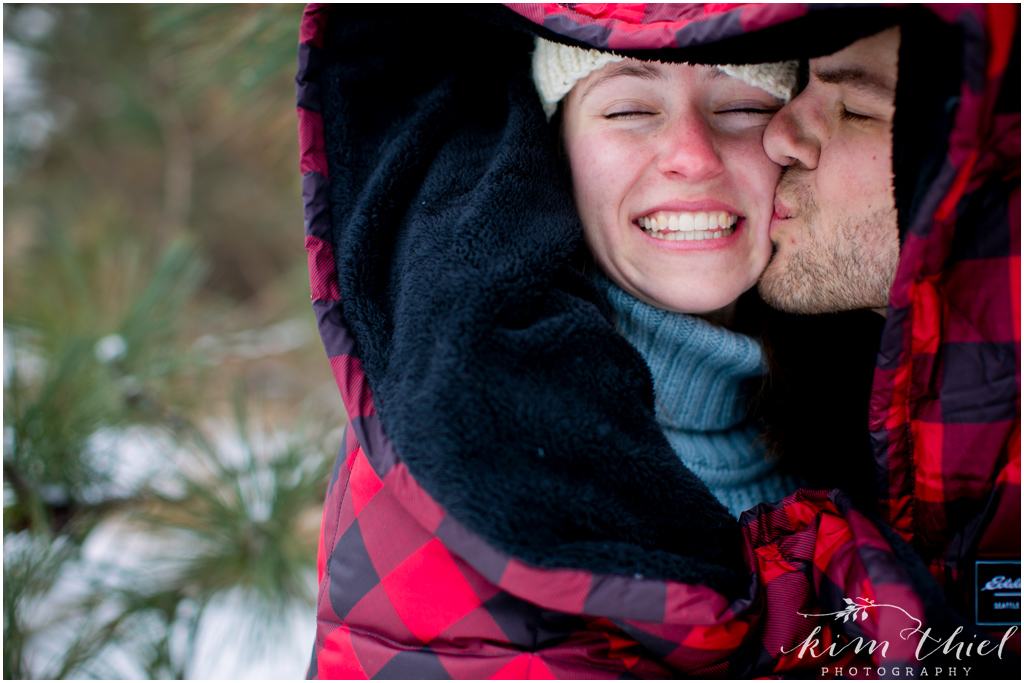 Kim-Thiel-Photography-Wisconsin-Winter-Engagement-Session-07