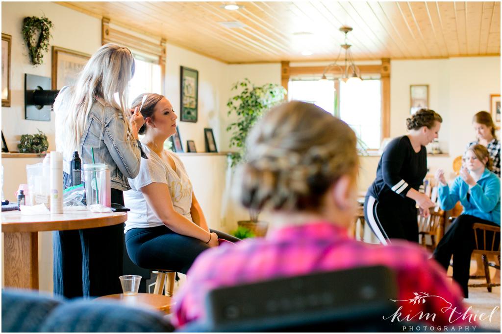 Kim-Thiel-Photography-Joyful-Wisconsin-Wedding-04
