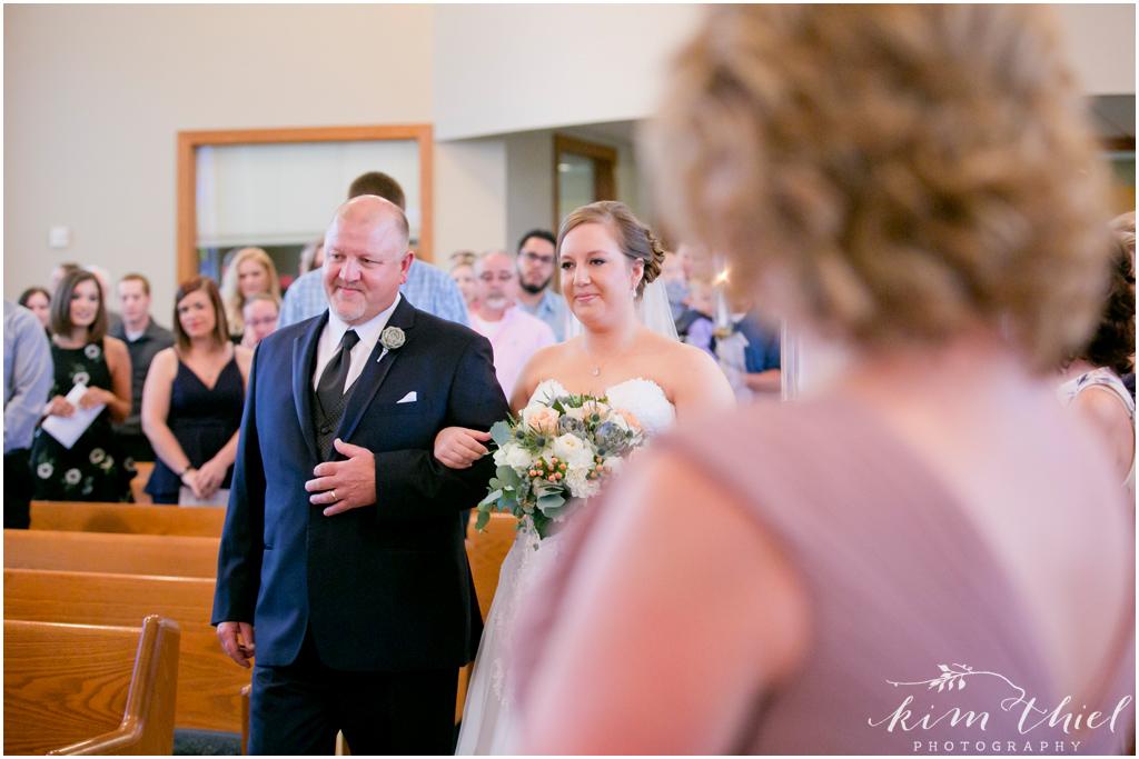 Kim-Thiel-Photography-Joyful-Wisconsin-Wedding-16