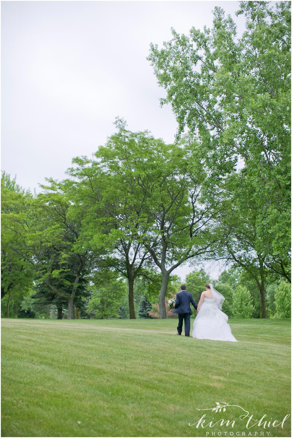 Kim-Thiel-Photography-Joyful-Wisconsin-Wedding-33