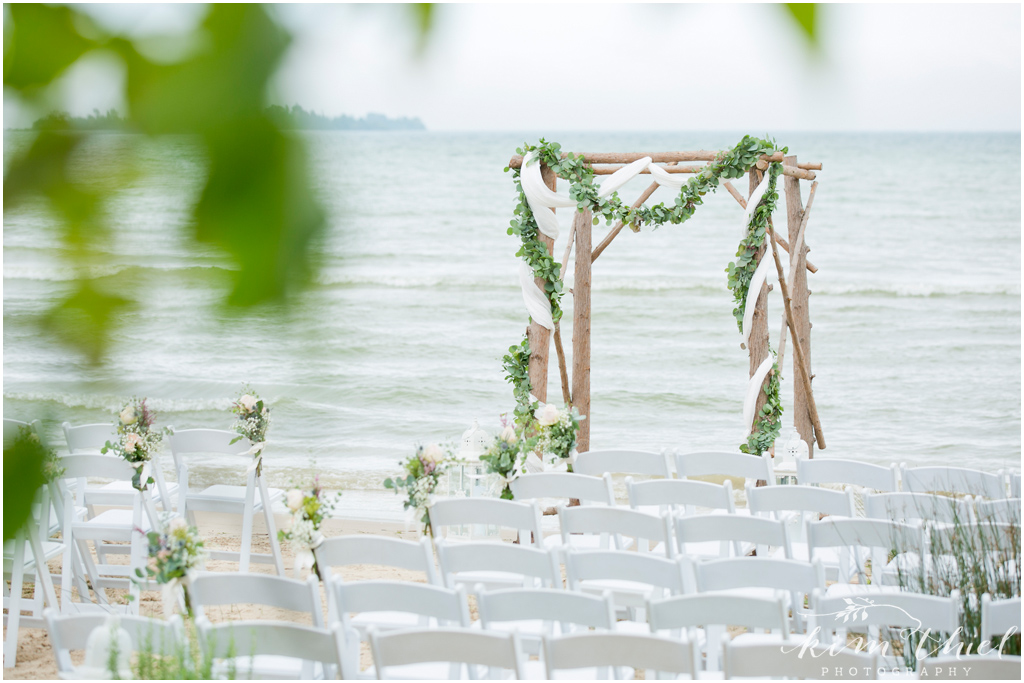 Kim-Thiel-Photography-Private-Door-County-Beach-Wedding-19